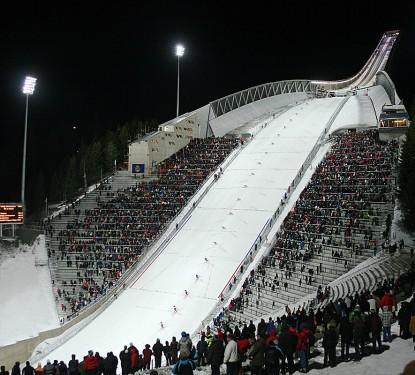 Nouveau Holmenkollen Ski Jump à Oslo (Norvège) - JDS Architectes (Julien De Smedt)