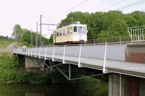 Pont à Thuin