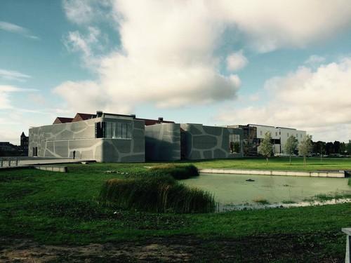 Centre Keramis, par l'association momentanée Coton-De Visscher-Lelion-Nottebaert-Vincentelli