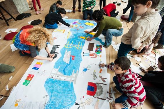 Sinan Logie, Commissaire de l'exposition Growing up in a growing metropolis