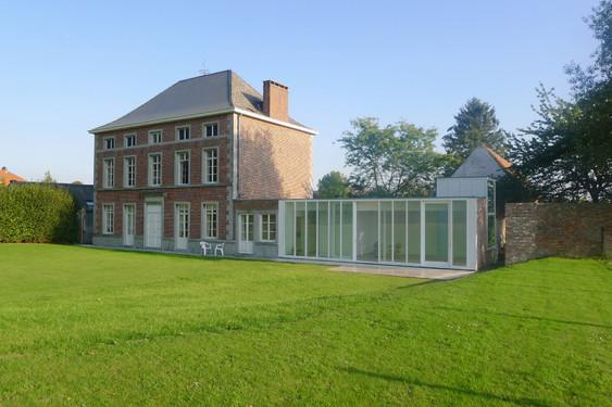 Fabulous extension of the francque house with prix maison for Architecte prix maison