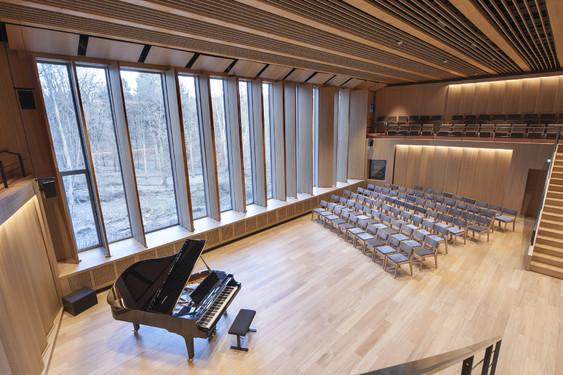 chapelle musicale reine elisabeth synergy international. Black Bedroom Furniture Sets. Home Design Ideas